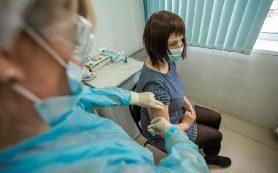 Жители Смоленска начали активно делать прививки от коронавируса