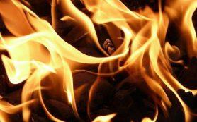 Веранда сгорела в трехквартирном доме в Глинке