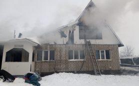 Огненная стихия охватила частный дом в Рославле