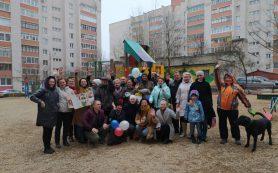 В Смоленске жители отметили День рождения дворника