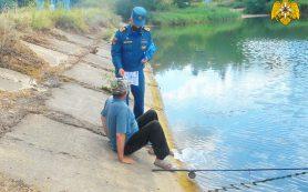 «Водитель, осторожно!» Жители Смоленска возмущены криминальным хобби подростков