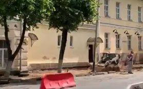 В центре Смоленска начался ремонт общественного туалета