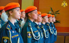 В Смоленске состоялась торжественная линейка дружин юных пожарных