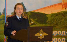 В Смоленске сотрудники полиции провели профориентационное мероприятие для студентов
